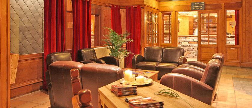 France_La-Plagne_Balcons-de-Belle-Plagne-Apartments_Reception2.jpg